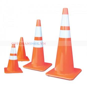Cọc tiêu giao thông đế cam
